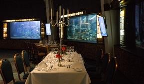 Dekket middagsbord i Rotunden