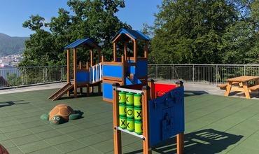 Vi har lekeplass på taket!