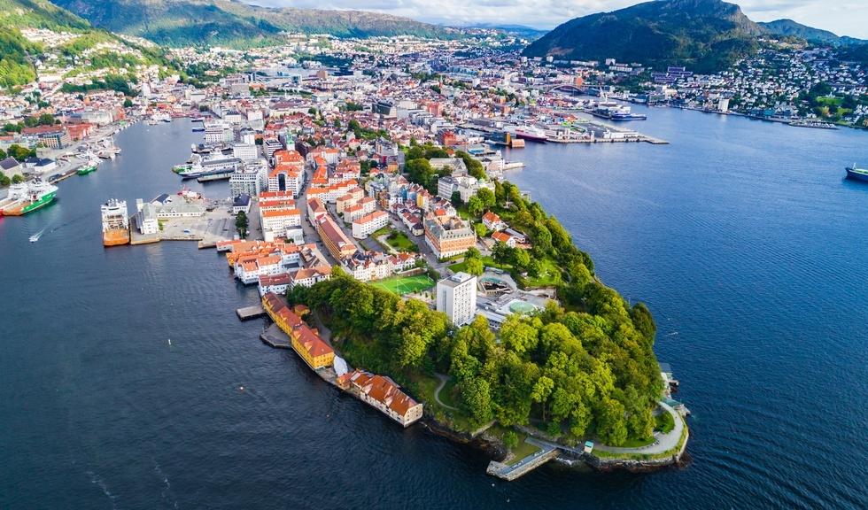 Oversiktsfoto av Bergen og Nordnes tatt fra luften